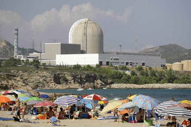 Vandellos 2 nuclear power station in Hospitalet del Infant